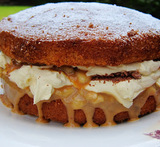 victoria sponge with condensed milk