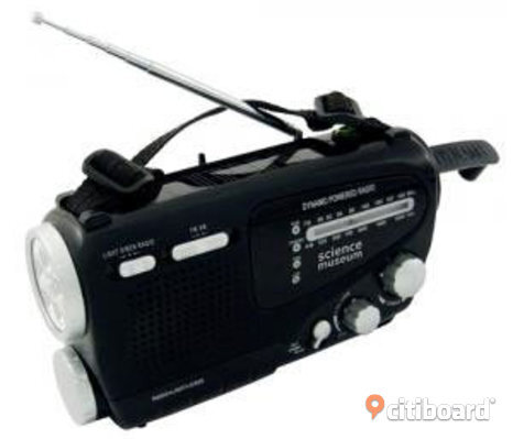 Dynamo Powered AM/FM Radio with Flashlight