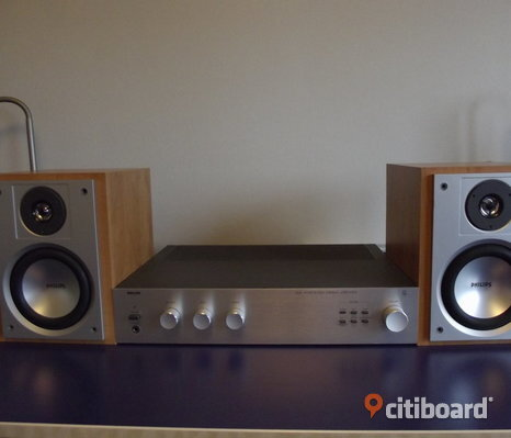 Silver stereo