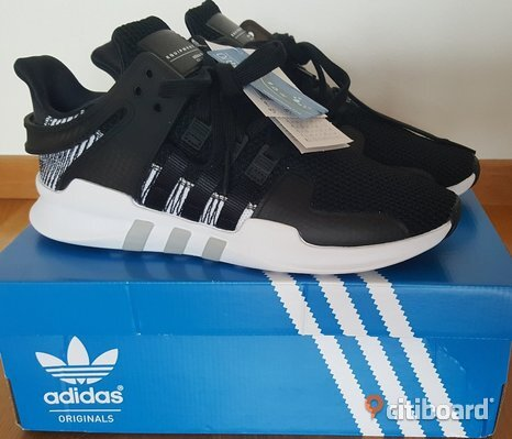 Nya Adidas Originals EQT SUPPORT ADV , core black/footwear white.Strl.43 1/3
