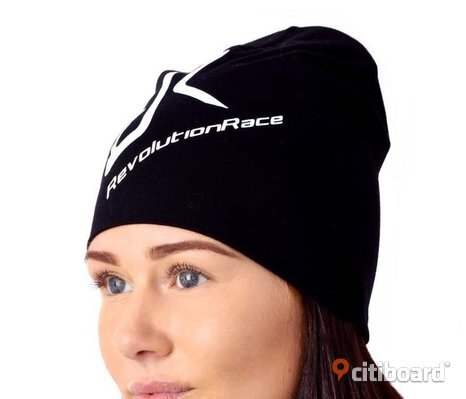 NY! REVOLUTION RACE BEANIE (BLACK). Mössor.