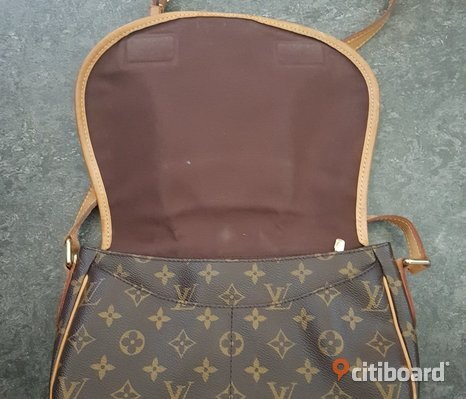 Louis Vuitton crossover väska