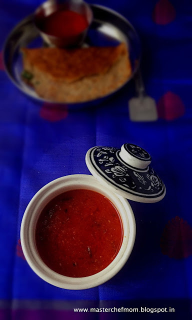 tomato chutney with chapathi