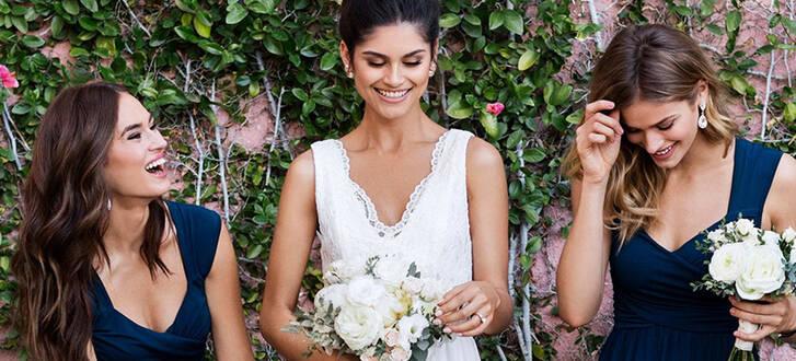 Köp din bröllopsklänning hos Bubbleroom